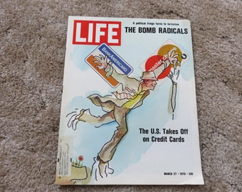 Vintage LIFE Magazine March 27, 1970, The US Takes Off on Credit Cards