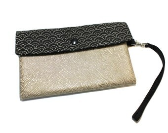 small pouch of evening with removable strap