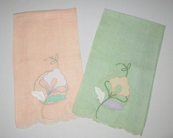 Vintage Guest Towels Linen And Applique Embroidery, Vintage Finger Tip Towels, Vintage Shabby Chic Guest Towels, Vintage Home Decor, Vintage