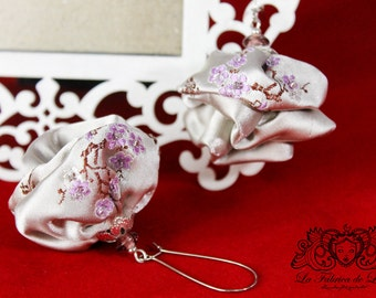 Earrings cherry blossom.