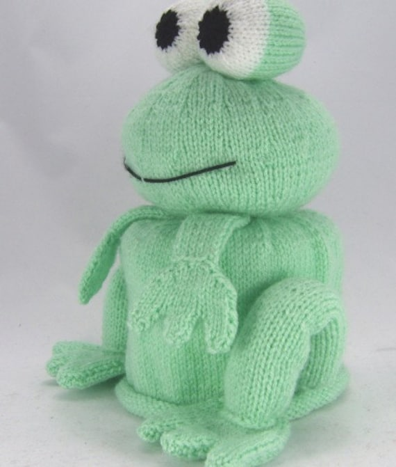 Knitting Pattern For Toilet Paper Holder : Frog Toilet Roll Holder Knitting Pattern, Bog Frog Knitting Pattern, Frog Kni...