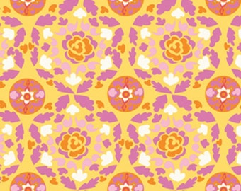 """Dena Designs """"Sunshine Collection"""" Decorator Linen/Cotton Blend Fabric Circle in Yellow 54/55"""" Wide"""
