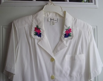 White Short Sleeve Blouse by Worthington, Size 16