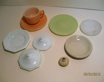 Moderntone and miscellaneous doll dishes.