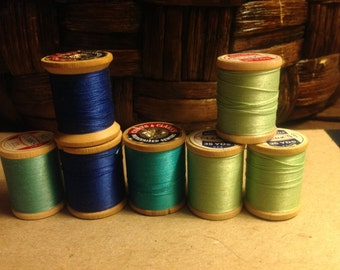 7 Vintage Coats & Clarks thread on wooden spools blue and light green