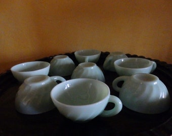 9 coffee cups or the arcopal of France
