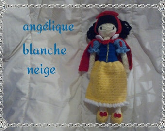 "The ""Snow white"" outfit for the angelic doll tutorial"