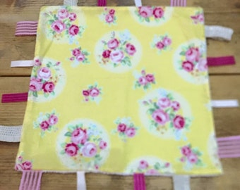 """Yellow minky lined taggy blanket 12"""""""