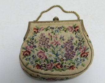 Beautiful lady bag with embroidery and amber knob