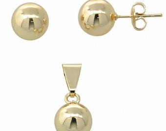 Gold layered pendant set new conditions