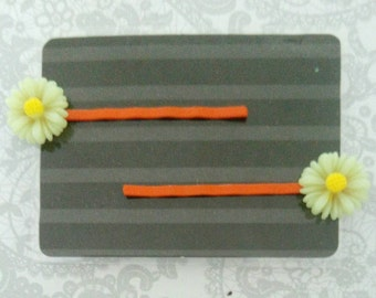 Girl's Flower Hair Clips - Bobby Pins - Yellow - Orange - Daisy