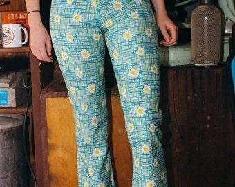 Daisy Print 90s Vintage Boho Flared High Waisted Boho Hippie Pants Size XS S