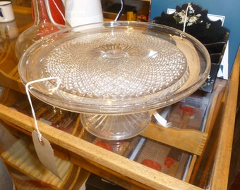 Classy glass cakestand