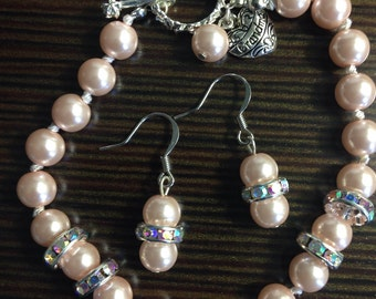 Pearl earring and bracelet set