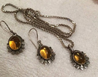 Beautiful Vintage PENDANT with Chain plus Matching EARRINGS-Mounted With AMBER Cabochons-The Whole Set is Sterling Silver and So Pretty