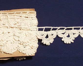 """Vintage Lace Crochet lace scalloped trim 130"""" x 1""""  for crafters"""