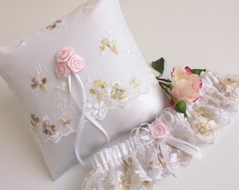 pastel bridal lingerie, pastel wedding garter, pastel bridal garter, pastel lace garter, pastel garter, silk wedding garter, toss garter