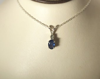 Classic Sapphire with Alexandrite accent pendant in 925 sterling silver