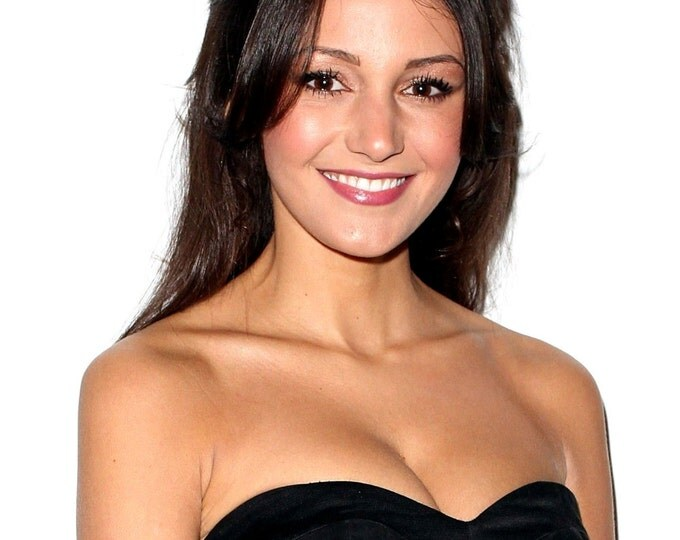 Actress Michelle Keegan - 5X7, 8X10 or 11X14 Publicity Photo (AZ063)