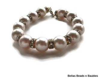 Pearl Hand Beaded Bracelet