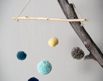 Woolen pompom suspension - Decoration baby room - Baby suspension - Baby shower