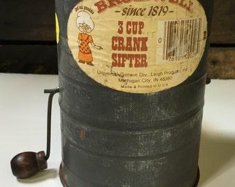 Vintage 3 Cup Crank Flour Sifter