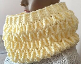 crochet warm cowl, elegant cowl, winter cowl, gift for holidays