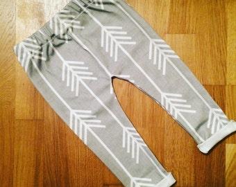 Leggings grey white arrows