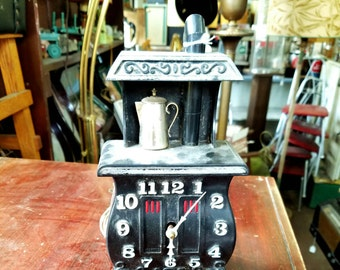 Vintage Kitchen Clock. Works