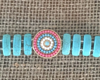 "8"" Turquoise Bracelet w/Medallion"