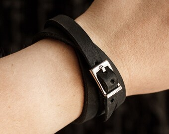 Bracelet made of genuine leather with a buckle thin