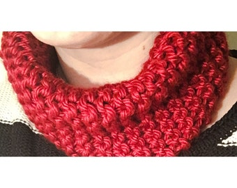 Chunky knit scarf cowl