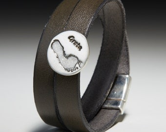Wrap leather bracelet with footprint-nugget