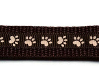 Medium Brown Paw Print Dog Collar