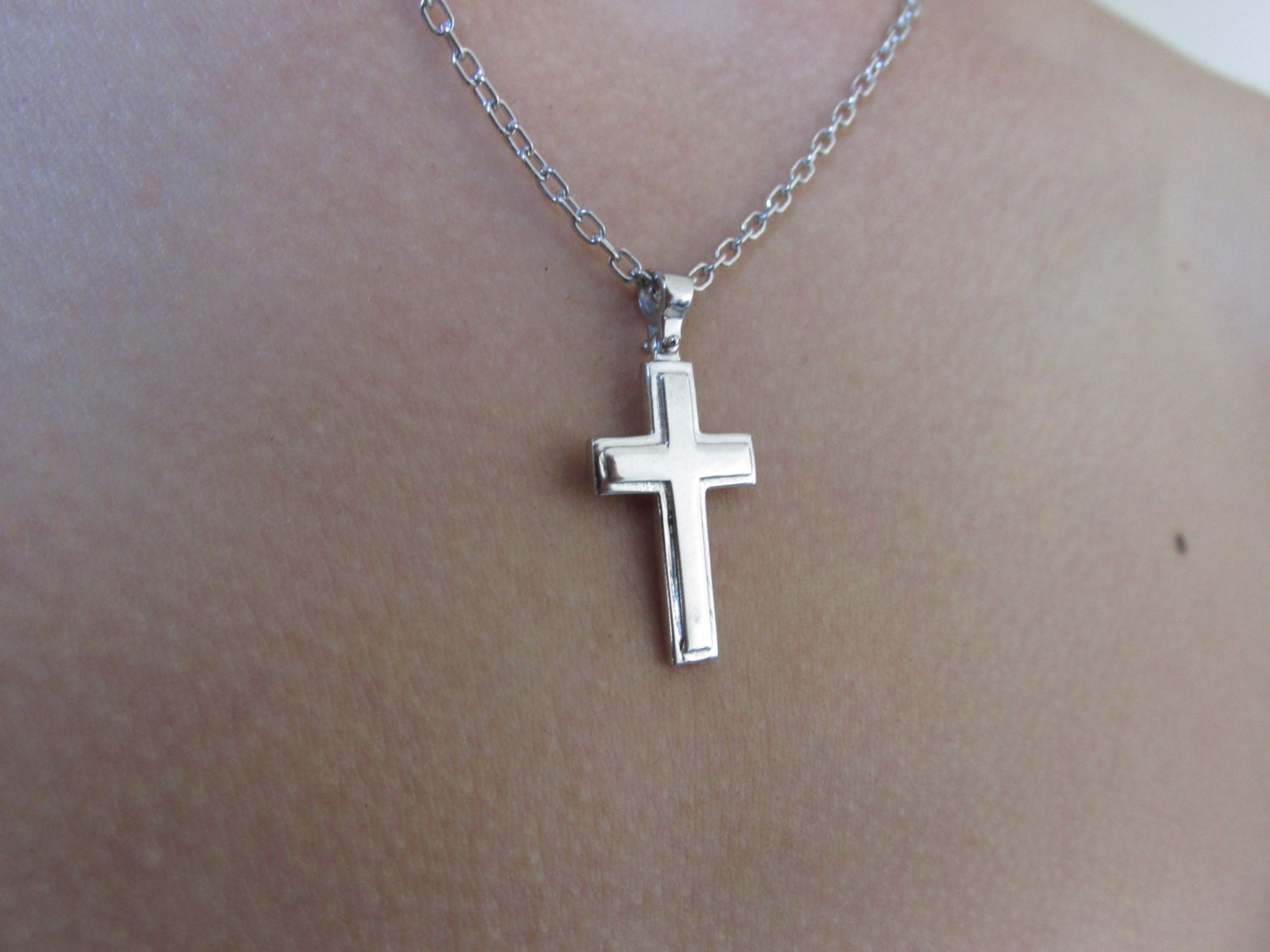 cross necklace silver cross necklace mens cross necklace. Black Bedroom Furniture Sets. Home Design Ideas