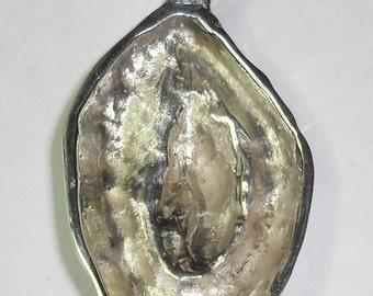 vulva vagina yoni  art jewelry Sterling silver heavy vulva pendant