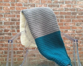 Chunky Crochet Blanket in Teal Grey and White