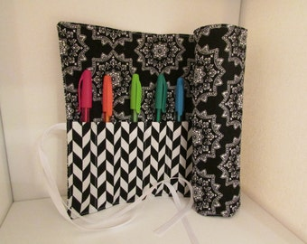 Colored Pencil Roll UP Black, White & Aqua
