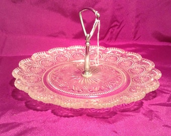 Clear pattern serving dish with handle