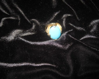 Vintage costume gold tone and turquoise ring; adjustable