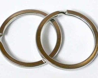 2 key rings of stainless steel in flat version