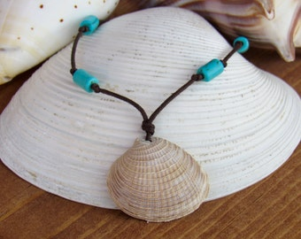 Adjustable Venus Clam Shell Necklace