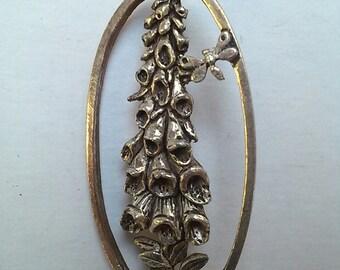 Foxglove brooch, Silver Scenes