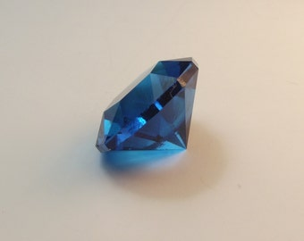 high quality faceted sun twist gem stone design, swiss blue fusion quarts.