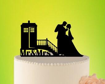 Doctor Who Wedding Cake Topper, TARDIS Wedding Cake Topper, TARDIS Wedding, Doctor Who cake topper, Doctor Who Wedding L2-01-003