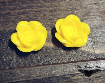 "Flower Cabochons Yellow Rose 2 Pieces Cabochons 18mm .7"" Opaque Cabochon Flowers For Rings or Earrings Resin Flower Cabochons"