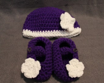 Crocheted Hat and Bootie set