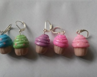 STITCH MARKERS set of 5 - Cupcakes
