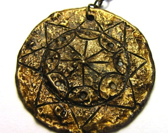 Solar motif necklace