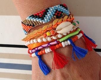 Bracelet brésilien typique du brésil ponpons rouge bleu neuf